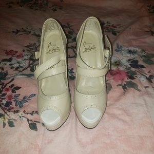 Beige Christian Louboutin shoes lightly worn
